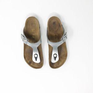 Birkenstock Silver Buckle Thong Sandal Girl Sz 3